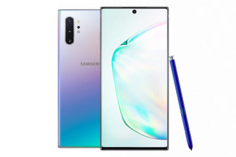 The new Samsung Note 10+ comes in an AuraGlow colour scheme.